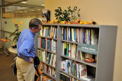 Lending Library at the Center for Teaching in 2080 University Capitol Centre